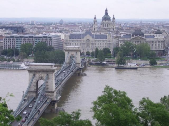budapest bridge alise brio